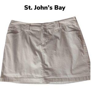 EUC👗💐St. John's Bay Skort